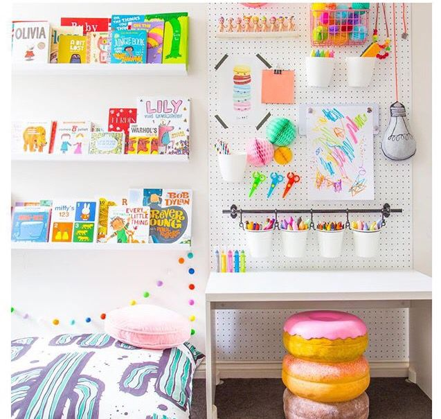 Pin de catherine chugg en little girl 39 s spaces pinterest for Children s arts and crafts supplies