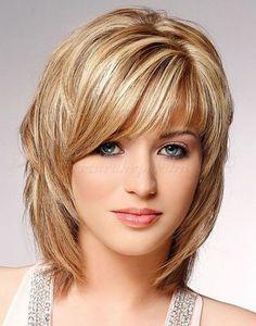 női frizurák félhosszú hajból -