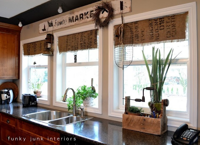 burlap coffee bean sack window shades... pretty awesome right?!: Burlap, Kitchens Window, Decor Ideas, Sacks Shades, Long Curtains, Coffee Sacks, Coff Sacks, Funky Junk, Window Treatments