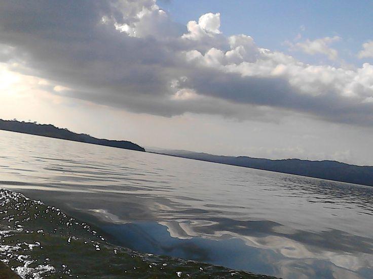 Lago Bayano, Panamá By: Jerameel López
