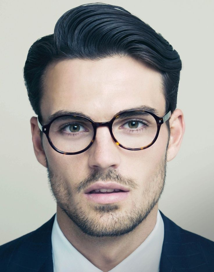 Estilo retrô para homens. 8) #oculos #eyewear #sunglasses #oculosdegrau #style…