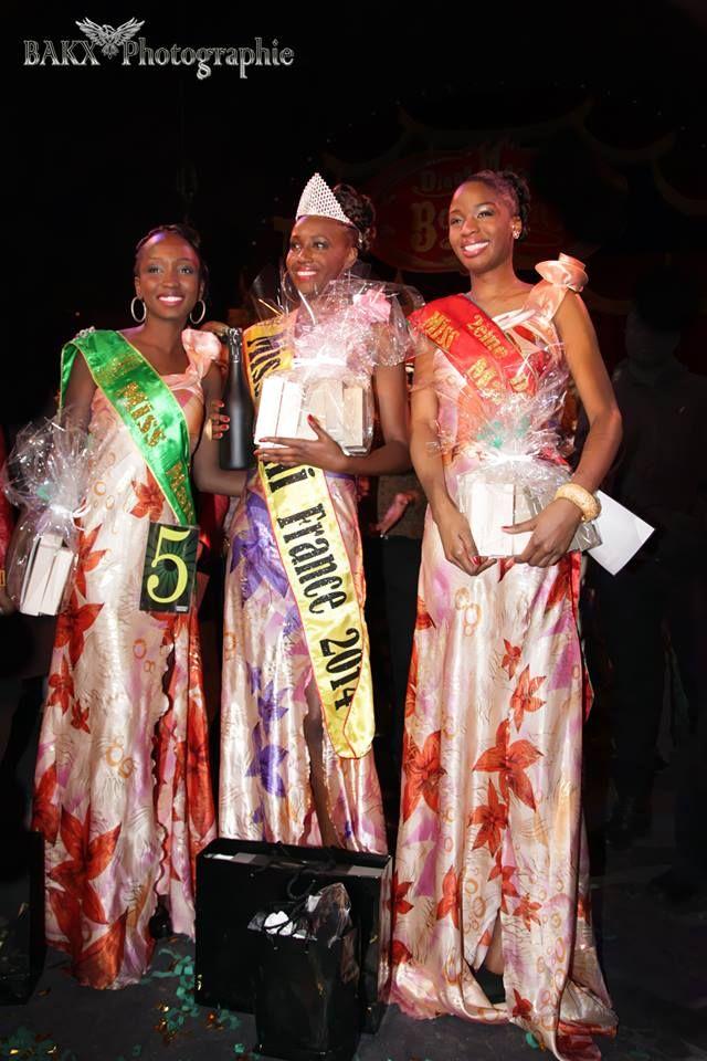 Découvrez Miss Mali 2014 entourée de ses deux dauphines. Lire l'article : http://epsorg.fr/actus/category/mode-tendance/