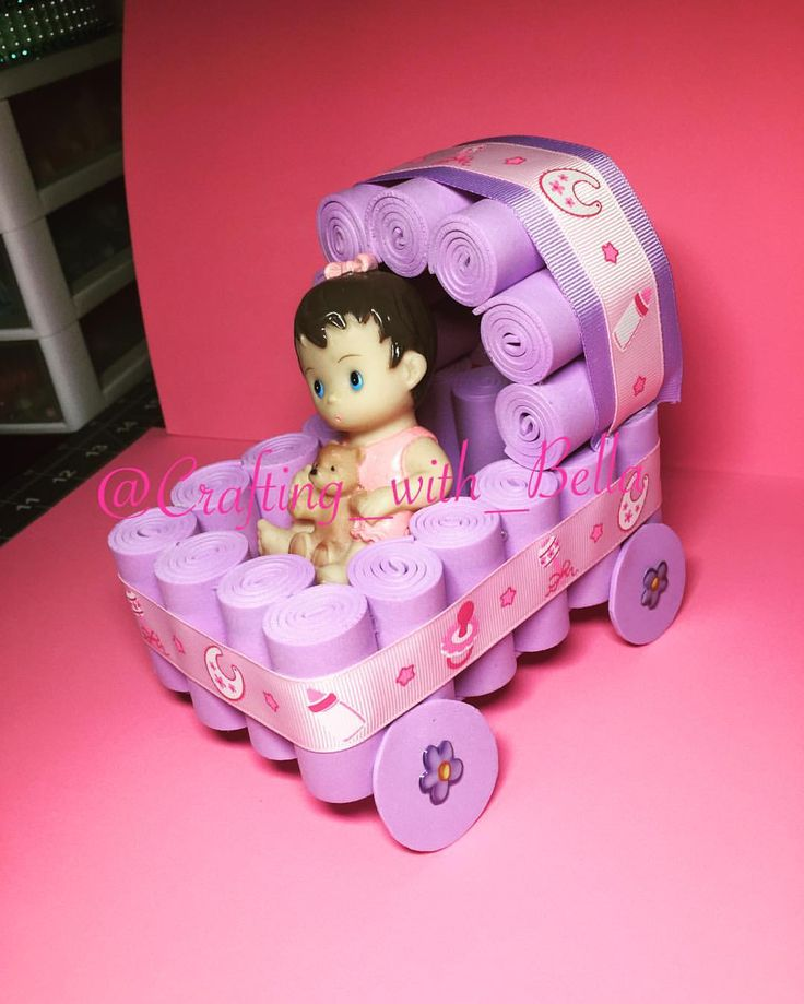 Foam Carriage  #foam #carriage #babycarriage #stroller #babystroller #babyshower #babygirl #itsagirl #centerpieces #gomaeva #carriola #bebe #centrodemesa #diy #doityourself #likeme #youtube #channel #spam