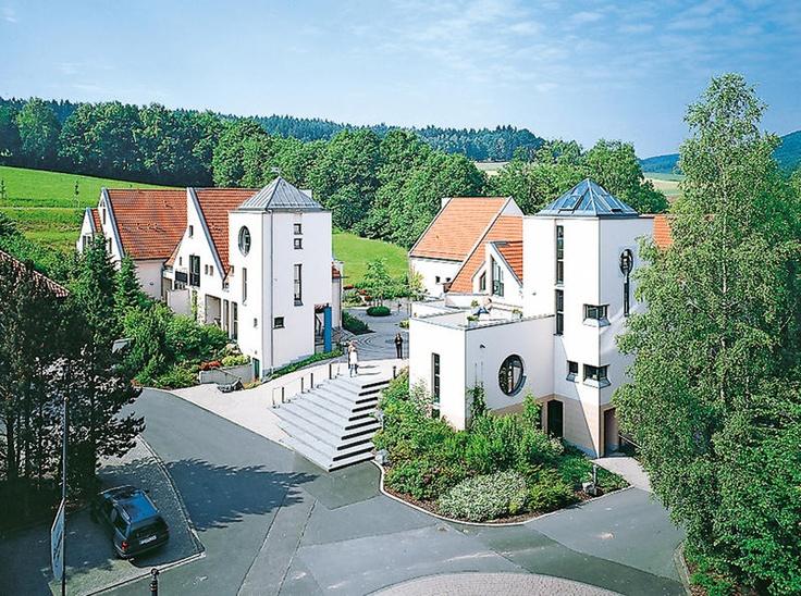 Amazing Hotel Gersfelderhof is een rustig gelegen sterrenhotel in het bosrijke Gersfeld Vanaf hier