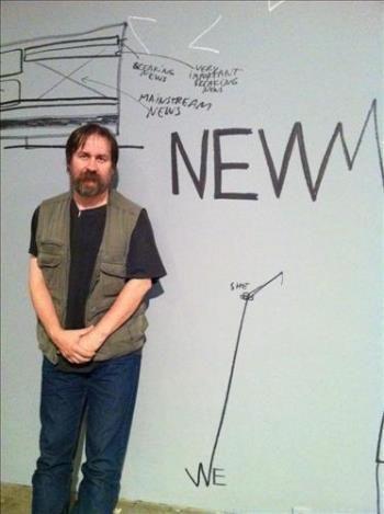 2011년 10월, 루마니아 작가 댄 퍼잡스키(Dan Perjovschi)의 개인전이 열렸습니다. 전시 주제는 'The News after the News'였는데요. 그가 가진 미디어에 대한 생각들을 낙서처럼 풀어낸 그림들이 흥미롭습니다.