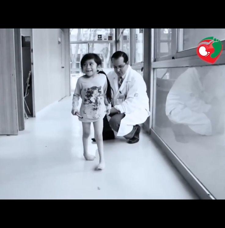 El método Ponseti es superior al tratamiento quirúrgico en el pie equinovaro - Ensayo prospectivo aleatorizado a largo plazo. http://www.ortopediainfantil.com.mx/academia/el-metodo-ponseti-es-superior-al-tratamiento-quirurgico-en-el-equinovaro-ensayo-prospectivo-aleatorizado-a-largo-plazo/