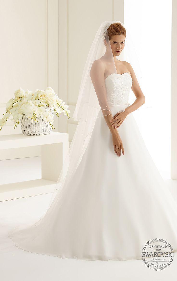 Fine veil S143S from Bianco Evento #biancoevento #veil #swarovski #weddingdress #weddingideas #bridetobe