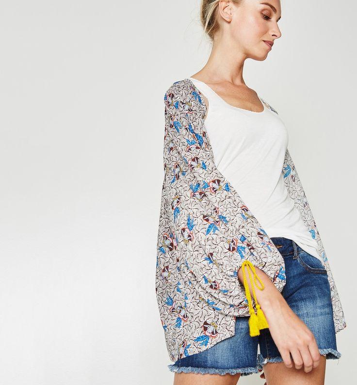 L2017 https://www.promod.pl/kobiety/wzorzyste-kimono-nadruk-ecru-R7270031521.html