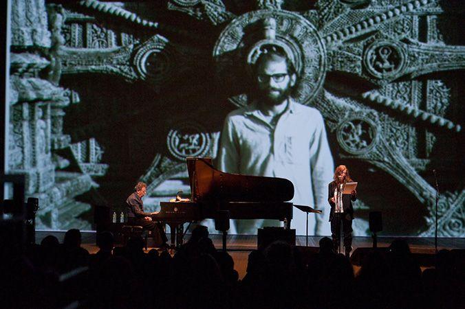 フィリップ・グラスとパティ・スミスによるコラボレーション公演『THE POET SPEAKS ギンズバーグへのオマージュ』が、6月4日に東京・錦糸町のすみだ…