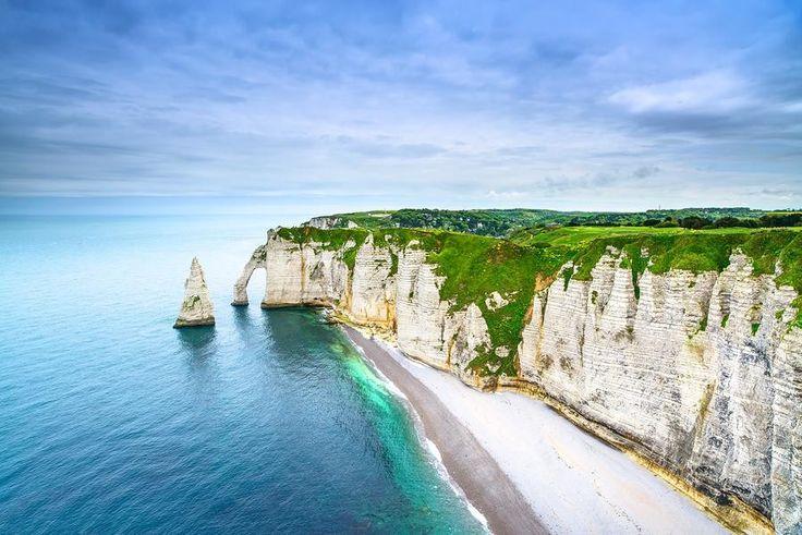 16 lugares para conocer antes de morir - Arco en un acantilado de Étretat, Francia