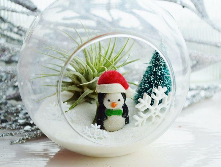 boules de Noël en verre à décorer soi-même de petits objets et jouets