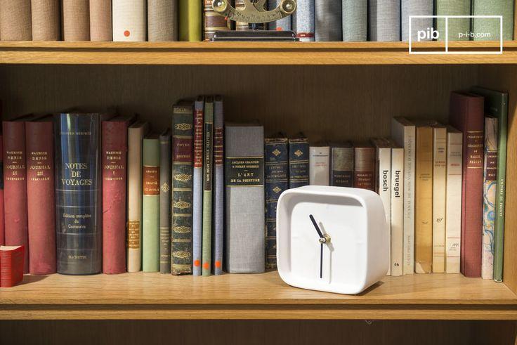 Questo accessorio must-have porterà un tocco di bianco del Nord alla tua casa. Con il suo meccanismo in quarzo, l'orologio Fjorden ti aiuterà ad essere puntuale.