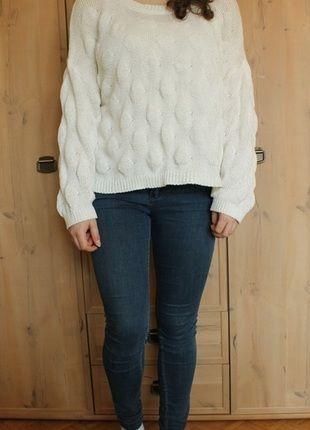 Kup mój przedmiot na #Vinted http://www.vinted.pl/kobiety/bluzy-i-swetry-inne/2987087-bialy-ciekawy-sweter-typu-oversize
