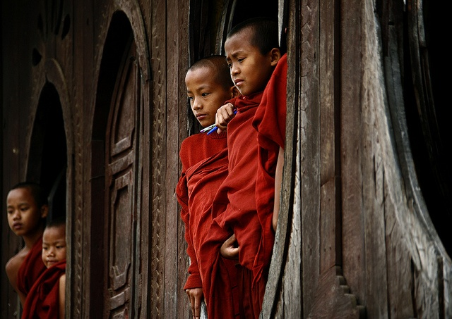 Novices in Shwe Yan Pyay Monastery, Myanmar | Eric Lafforgue
