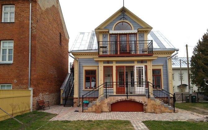 Noor perekond ostis Tartus endale lagunenud maja, mis lammutati ning ehitati asemele täpne koopia.