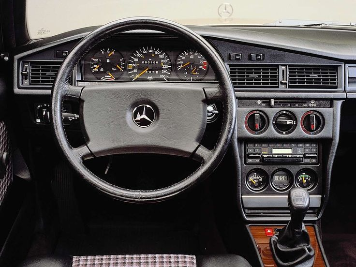 Mercedes-Benz 190e 2.3/2.5 16 valve Cosworth dashboard