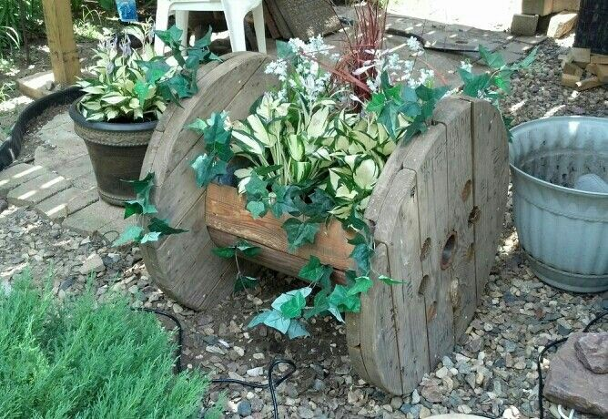 Planter spool