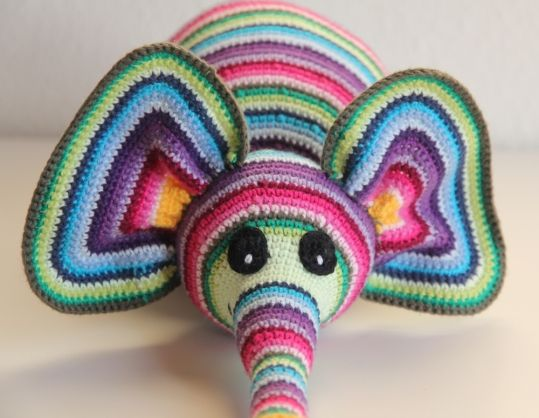 Well there's no pattern available, but it sure is adorable!