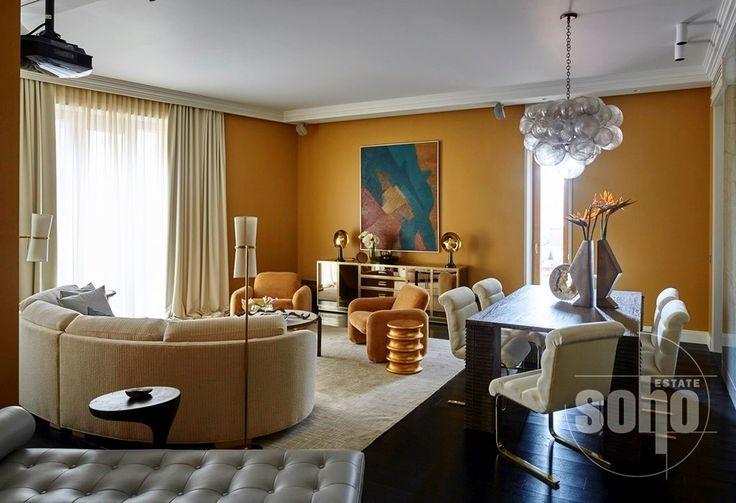 #Плющиха #Бурденко ул. д.3.  Новая квартира площадью 163.5 кв.м. в современном американском стиле для семьи с двумя детьми невероятно уютная и полностью готовая к проживанию. Одной из отличительных черт квартиры является ее функциональность квартира удобно зонирована: - входная часть состоит из прихожей холла-гардеробной и постирочной комнаты - 50-ти метровая гостиная объединяет обеденную рабочую и диванную зоны со встроенным домашним кинотеатром. К ним примыкает роскошная кухня - 2…