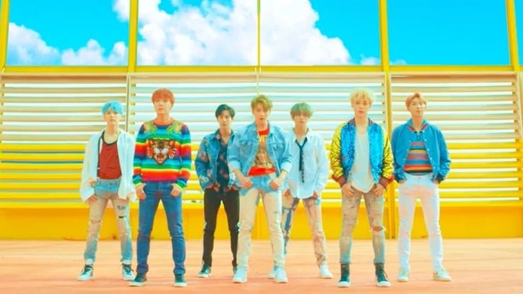 """BTS Enters Billboard's Hot 100 Chart For First Time With """"DNA"""""""