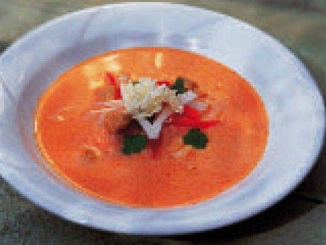 Röd currysoppa m kokosmjölk, kyckling & koriander