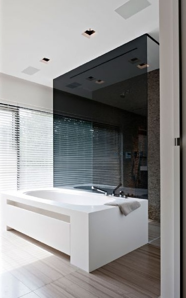 Beautiful and minimal bathroom design by Eletech Prestige- Kappelen _