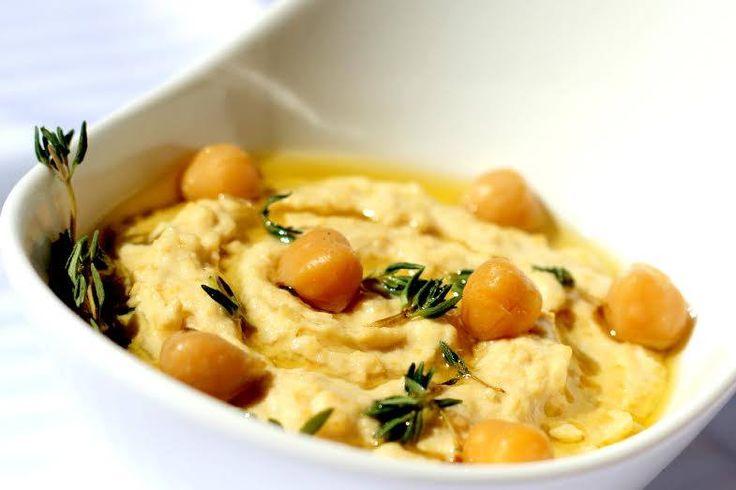 Sabe o que é 'homus'? É uma deliciosa receita de uma pasta árabe. Vamos experimentar?#Homus #receitas #pratosdomundo #internacional #entrada #árabe #grão #pasta #alho