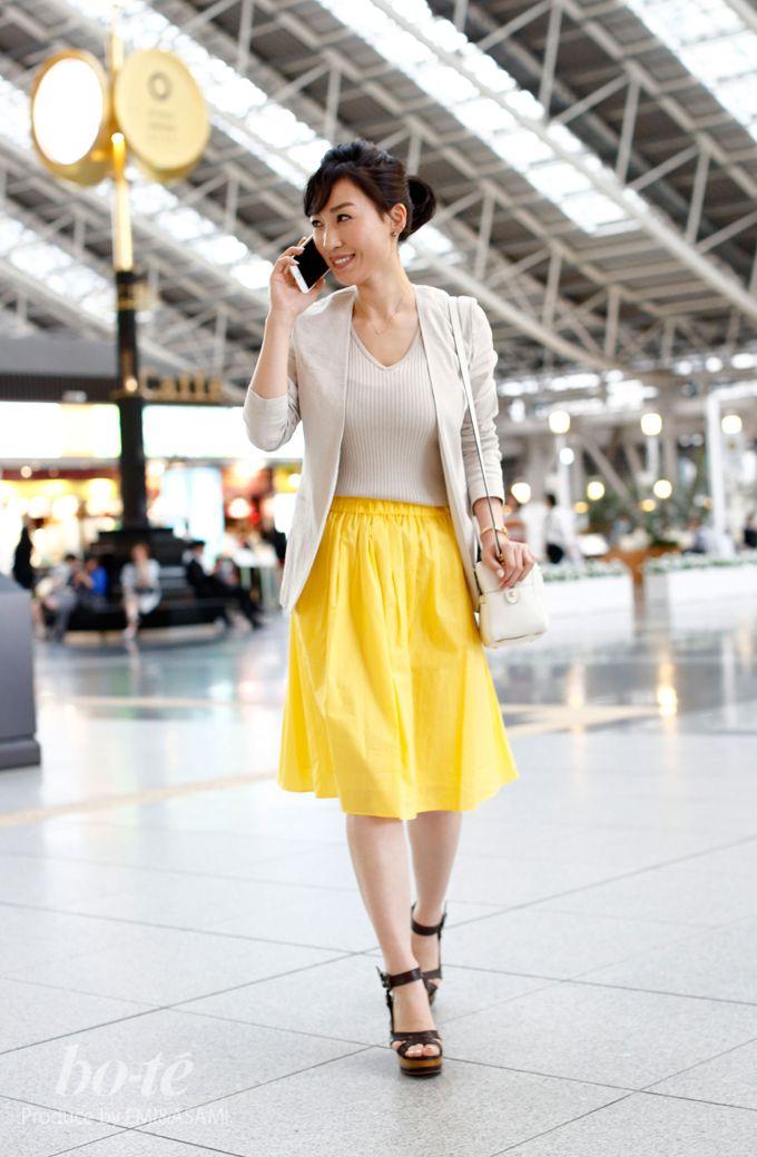 ビビッドなスカートを上品に着こなした大人のカジュアルMIXコーデ#fashion #coordinate #ファッション #オフィスカジュアル