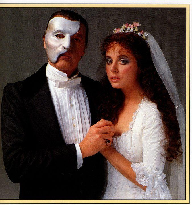 The Phantom of the Opera - Michael Crawford & Sarah Brightman Photo by Terry...
