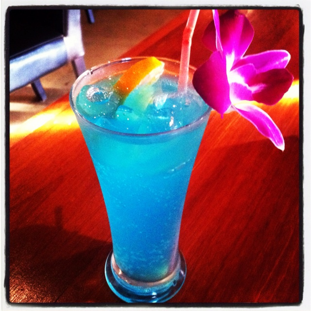 The 66 best images about blue lagoon cocktail on pinterest for Blue lagoon cocktail