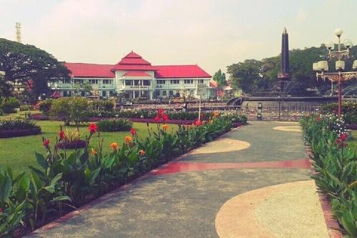 Alun-alun bundar, Malang