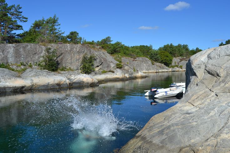 Do you dare to jump into the cold Norwegian ocean? During the summer the temperatures in the ocean is refreshing.   Photo: Elisabeth Høibo©Visit Southern Norway