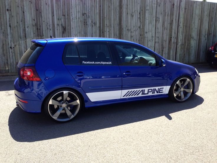 Alpine UK Golf R32 Demo Car