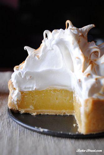 Pastel de lima limón con merengue