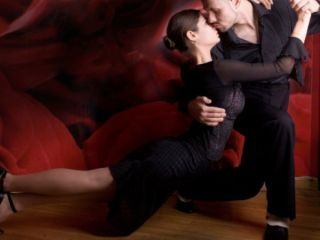 Sexy Valentine's Day Workouts to Boost Your Sex Drive # 9: Salsa classes  Join a salsa class with your partner this Valentine's Day, to burn those extra calories and fat. The steamy steps will stroke the flame between you and your partner and benefit your health as well.