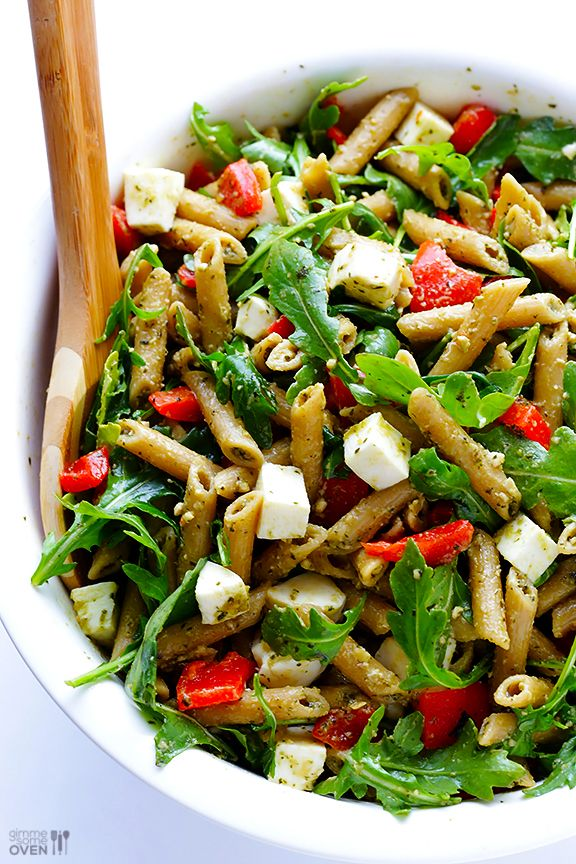 5 Ingredient Pasta Salad Recipe -- quick and easy to prepare, and full of the BEST Italian flavors. Perfect for potlucks, picnics, or just a regular weeknight dinner. | gimmesomeoven.com
