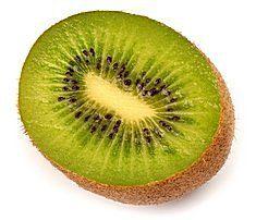 Kivi (kiwi) je vďaka svojmu obsahu väčšiny vitamínov a nízkej kalorickej hodnote ideálnou potravinou. Je výživnejšie než ktorékoľvek iné ovocie. Obsahuje až 10-krát viac vitamínu C ako jablká alebo citróny (podľa druhov 50, 100 až 300 mg/%). Ďalšie vitamíny, ktoré…