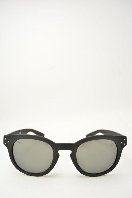 Logos ROCCO black matte sunglasses #glasses #eyewear #logos #classicshape #blackmatte #bassanodelgrappa #designglasses #design #cheap online store at www.bassanooptical.com