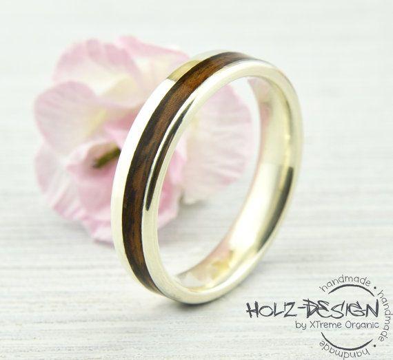 Weißgold Verlobungsring mit Holz Inlay von HolzDesignGermany