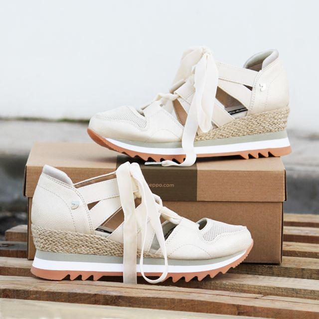 2bed0b3ae78 Sneakers y bambas para mujer en color hielo. Características:con cordones,  cuña 5