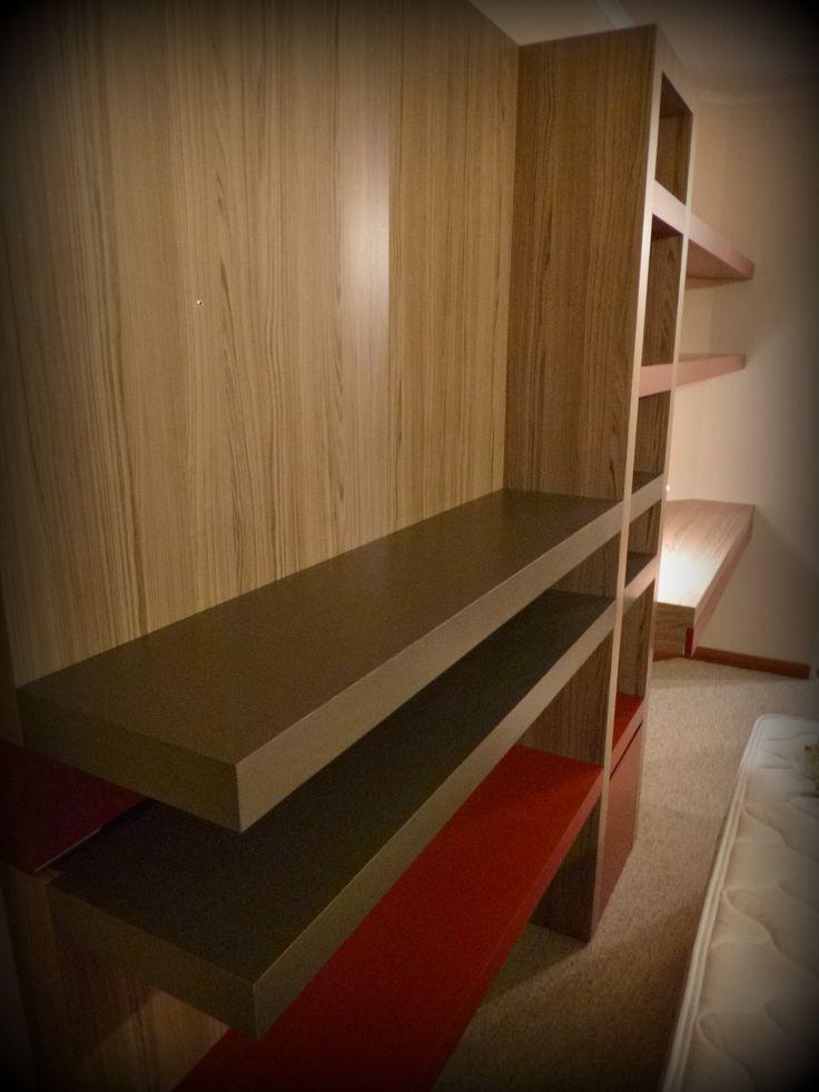 mueble panel para tv librero con cajn profundo inferior dos voladizos superiores y escritorio