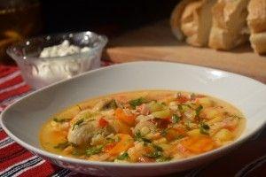 Reteta culinara Ciorba taraneasca de pui din Carte de bucate, Supe si ciorbe. Specific Romania. Cum sa faci Ciorba taraneasca de pui