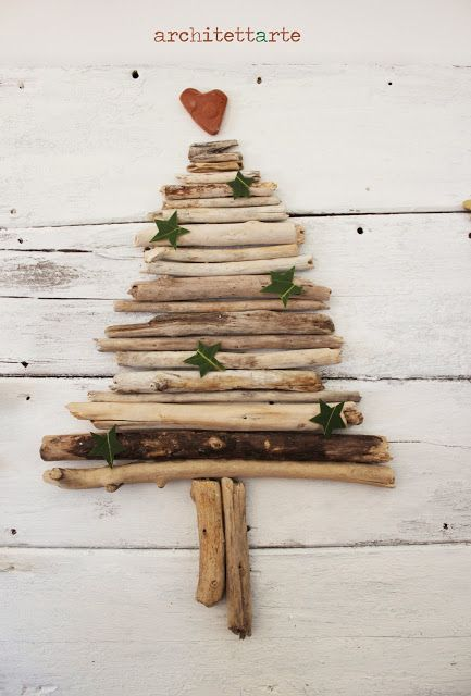 Natale al VERDE - driftwood christmas tree and laurel stars Merry Christmas