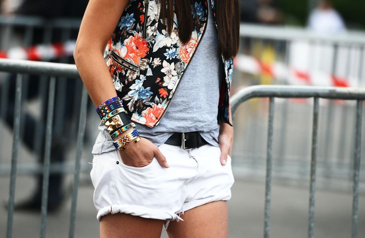 maybe not the flower vest but everything else I WANT!White Shorts, Fashion, Floral Prints, Style, Bracelets, Floral Vest, Denim Shorts, Arm Candies, Arm Parties