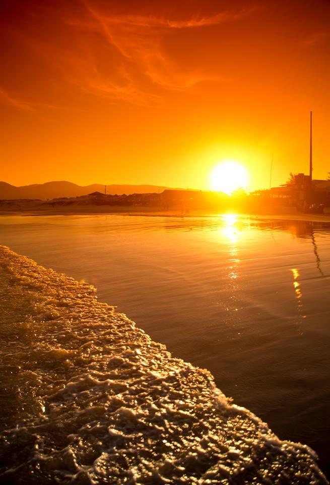 Sunset in Praia da Joaquina - Ilha de Floripa, Santa Catarina, Brasil
