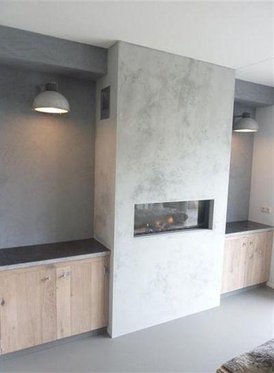 Botonlook schouw met donkerdere achterwand beton cir schouw bij molitli interieurmakers - Decoratie woonkamer met open keuken ...