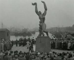De onthulling van 'Stad zonder hart' van Ossip Zadkine in Rotterdam. Dit beeld spreekt mij zeer aan en staat aan de bron van mijn bezigheden in Rotterdam. Vergetelheid - lethe - verdwijnt als de waarheid - aletheia - wordt onthuld...