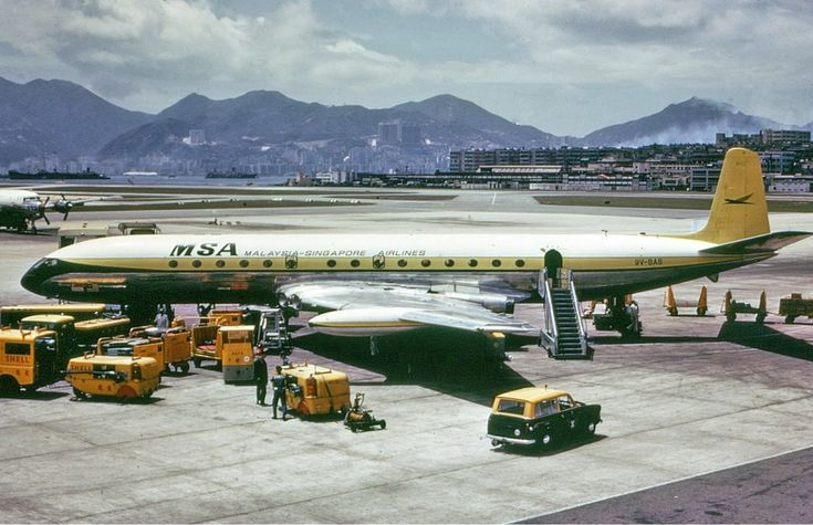 Malaysia-Singapore Airlines Comet 4 at Kai Tak Airport in 1966
