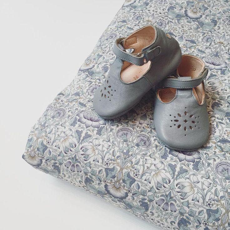 """Asta & Alfred på Instagram: """"Det smukkeste babytæppe fra Christina Rohde i…"""