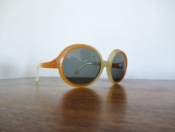 Vintage sunglasses . 1970s sunglasses . 70s sunglass by BlueFennel, $22.00